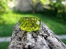 Prstene - Farebný živicový prsteň brúsený (Olivovo zelený živicový prsteň č.917) - 8181803_