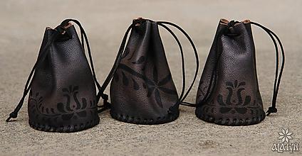 Peňaženky - Kožený mešec zdobený - 8182858_