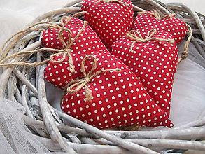 Darčeky pre svadobčanov - Červené levanduľové srdiečká - 8183986_