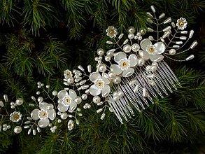 Ozdoby do vlasov - svadobný hrebienok do vlasov - bielo zlatý 3 - 8189458_