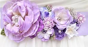 Kvetinový opasok pre nevestu