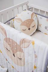 Textil - Prešívaná prikrývka Sleeping friends Srnka - 8189319_