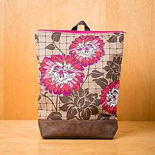 Batohy - Ruksak na notebook - Hnedý s ružovými kvetmi - 8187716_