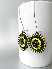 Náušnice - Šité minimalistické žlto-čierne náušnice - 8189200_