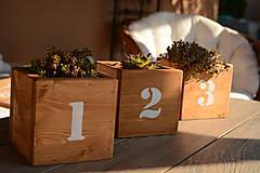 Nábytok - Drevená malá bednička - 8193836_