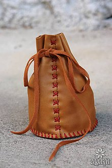 Peňaženky - Veľký kožený mešec (hnedý s červeno-oranžovou šnúrkou) - 8193305_