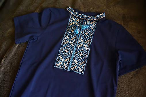 0e416c034f11 Vyšívané pánske tričko Modrá s modrou   vysivana - SAShE.sk ...