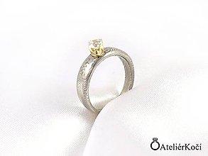 Prstene - Zásnubní prsten Apollón se zlatým lůžkem - 8190811_