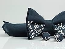 Doplnky - Exkluzívny set - ručne maľovaný motýlik, ľanová vreckovka a manžetové gombíky - 8196405_