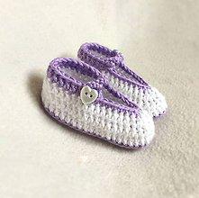 Topánočky - Háčkované papučky fialkové srdiečka - 8194499_