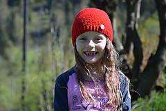 Detské čiapky - Zľava z 9e - Červená háčkovaná čiapočka s buttonom - 8200831_