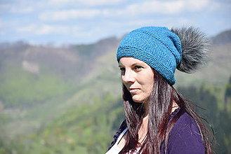 Čiapky - Pletená čiapka s kožušinovým brmbolcom - baby alpaka - 8200832_