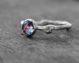 Prstene - ZAKAZKA Vetvičkový prsteň zlatý s lab. opalom - 8201364_
