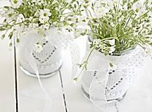 Dekorácie - Svadobná vázička biela so srdiečkom - 8204072_