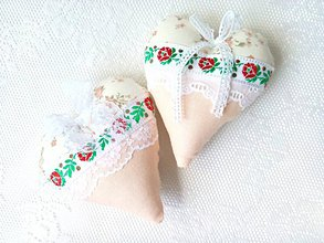 Dekorácie - Romantic folklore hearts (beige) - 8208678_