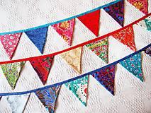 Dekorácie - Girlanda farebná s tyrkysovou šnúrkou - 8207417_