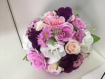 svadobná kytica ružovo-fialová