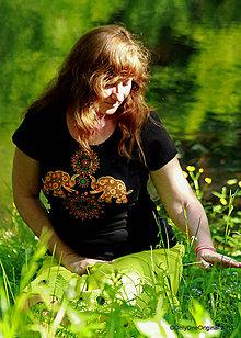 Tričká - Dámske tričko  maľované, etno ŠRÍ - 8207333_