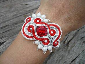 Náramky - Soutache náramok FOLKlórny červeno-biely svadobný - 8214404_