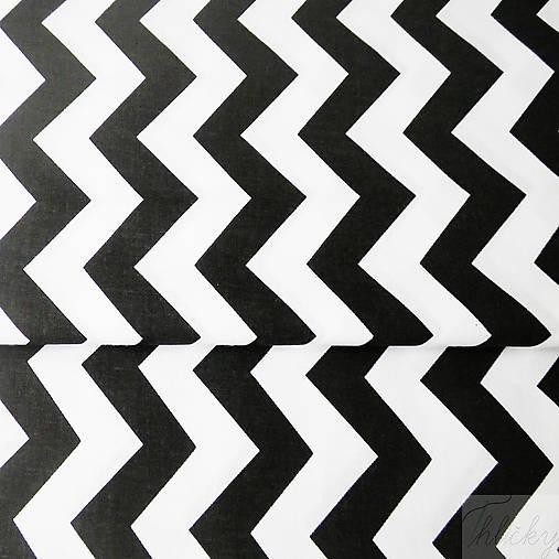 čierno-biely cikcak; 100 % bavlna, šírka 160 cm, cena za 0,5 m