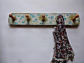 Nábytok - Vešiak s nádychom vintage - 8213249_