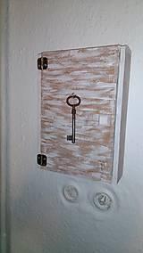 Nábytok - Skrinka na kľúče - 8218211_