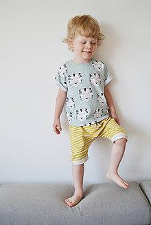 Detské oblečenie - Krátke nohavice s ohrnutým detailom - 8222359_