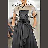 Sukne - Zavinovacia spoločenská sukňa skladaná s vreckami - 8219986_