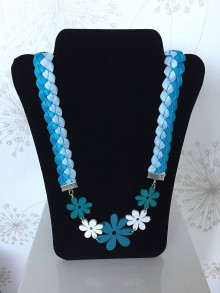 Náhrdelníky - Tyrkysový letný náhrdelník zo saténových stužiek - 8225270_