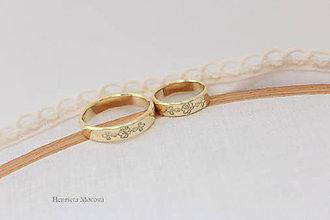 Prstene - Zlaté obrúčky s folklórnym vzorom - dolná Orava - 8224690_