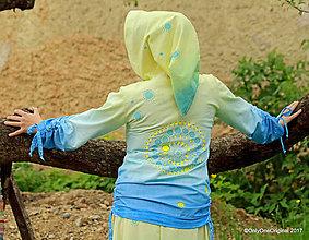 Mikiny - Dámska mikina s kapucou, šnúrkami, batikovaná, maľovaná, etno SARASVATÍ - 8227604_