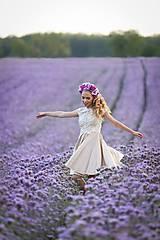 Šaty - Koktejlové šaty s tylovým vyšívaným živôtikom a kruhovou sukňou rôzne farby - 8228793_