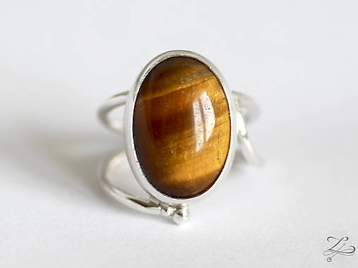 Strieborný prsteň s tigrím okom - Line Gold