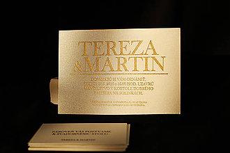 Darčeky pre svadobčanov - Svadobné oznamko so zlatým písmom - 8233360_