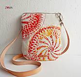 - MIA Red Abstract crossbody kabelka malá - 8231030_