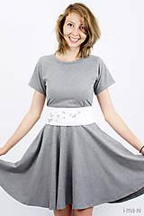 Šaty - Šaty s kruhovou sukňou a opaskom - VTÁČIKY - 8237098_