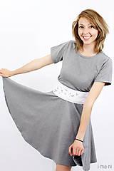 Šaty - Šaty s kruhovou sukňou a opaskom - VTÁČIKY - 8237101_