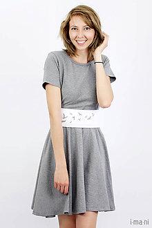 Šaty - Šaty s kruhovou sukňou a opaskom - VTÁČIKY - 8237096_