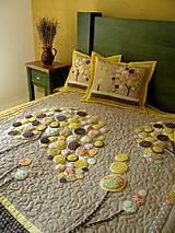 Úžitkový textil - Originálný prehoz s kvetmi No.3 :) - 8240486_