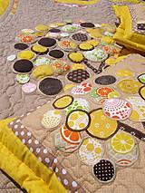 Úžitkový textil - Originálný prehoz s kvetmi No.3 :) - 8240495_
