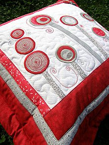 """Úžitkový textil - """"V krajine zázrakov"""" - vankúše, šedo - červené prevedenie - 8240277_"""