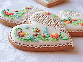 Darčeky pre svadobčanov - Medovníkové srdiečko folk 7 cm - 8243584_