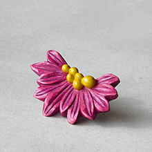 Odznaky/Brošne - Violetka - drevená brošňa - 8243288_