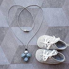"""Šperky - Silikónový náhrdelník na prerezávanie zúbkov pre otecka """"Svätopluk"""" / sivá - 8243245_"""