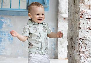 """93873ac9c211 Detské oblečenie - Mätová chlapčenská košeľa so vzorom """"Slová"""