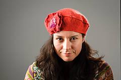 Čiapky - Červená Francúzska Baretka s kvetom, Merino vlna, Plstená - 8247209_