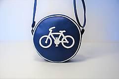 Kabelka okrúhla Cestička pre cyklistov