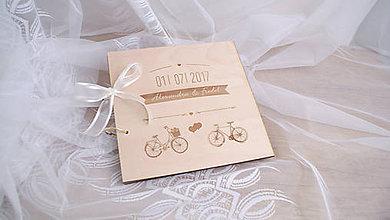 Papiernictvo - Drevená svadobná kniha hostí cyklisti - 8249926_