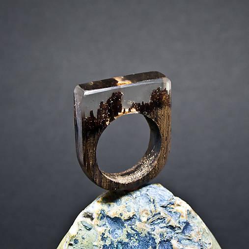 Drevený prsteň: Jasný deň