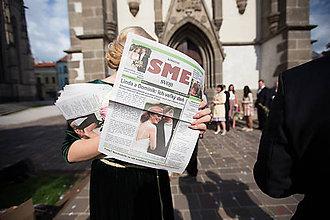 Darčeky pre svadobčanov - Svadobné noviny tlačené na novinovom papieri - 8256761_